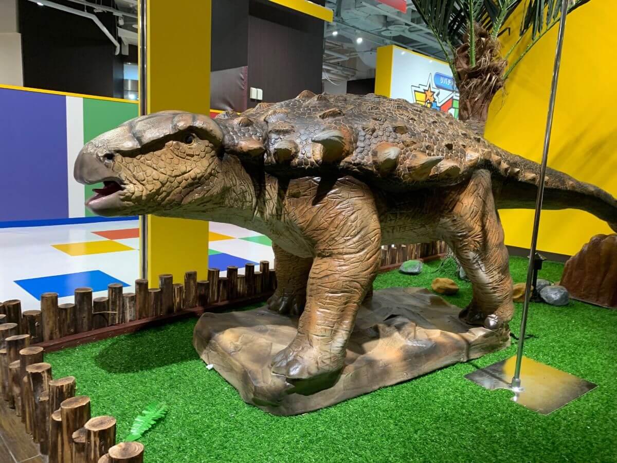リバチカこども王国ジャイアントスタジアム 恐竜カフェ