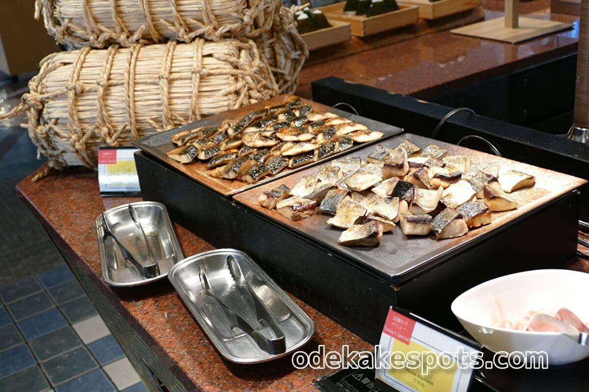 ホテルユニバーサルポート 朝食バイキング 焼き魚