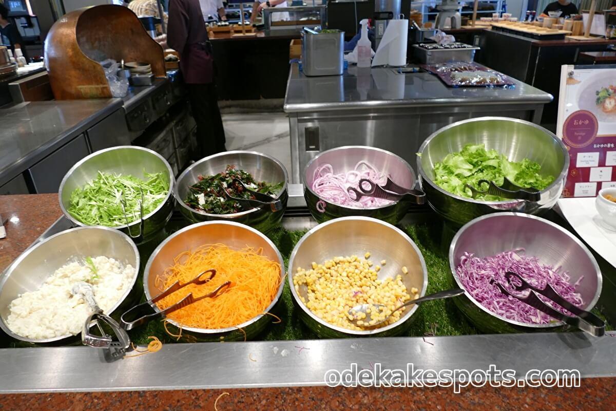ホテルユニバーサルポート 朝食バイキング サラダ