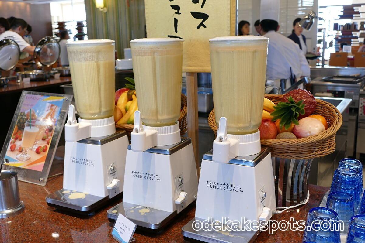 ホテルユニバーサルポート 朝食バイキング ミックスジュース