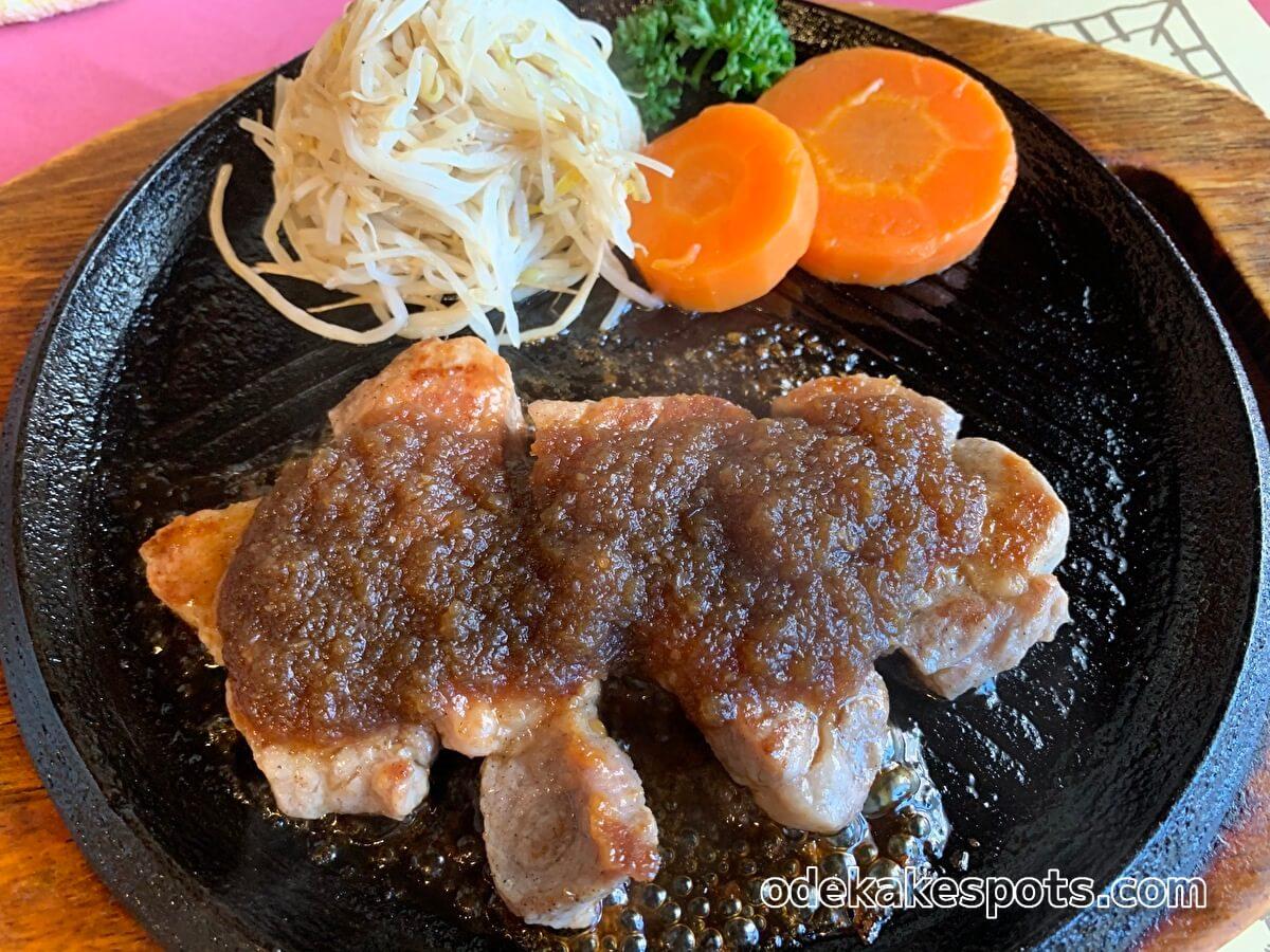 レストランハイポー宗像店と福津店の国産豚ハイポ―ランチ
